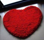Коврик в форме сердца новый