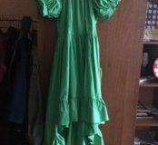 Платье с шлейфом