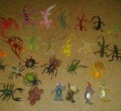 Набор ящериц и насекомых