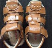Новые детские сандалии натуральная кожа