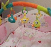 Дуга  с игрушками мягкая на кровать или коляску