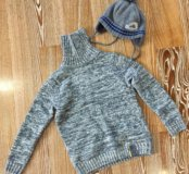 Продам свитер детский новый, шапочку, футболки
