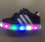 Новые Детские светящиеся кроссовки LED