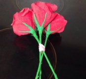 Розы с конфетами подарок на 8 марта
