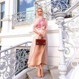 Длинное платье-рубашка и юбка персикового цвета