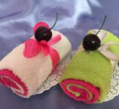 Пирожное из полотенец, сувениры на 8 марта