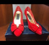 Красные туфли в отличном состоянии