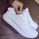 Новые белые кроссовки adidas yeezy boost 35,36р