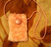 Меховой чехол для телефона на шнурке