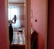 Зеркальный платьевой шкаф