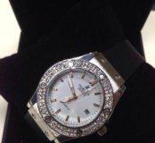 Продам новые женские часы