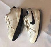 Белые Nike кожа