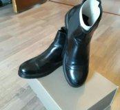 Ботинки Bata.
