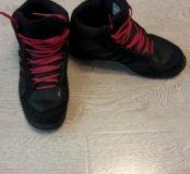 Adidas женские кроссы 36 размер
