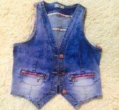 Продаётся джинсовая жилетка