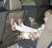 Новая клеенка на заднее сидение автомобиля.