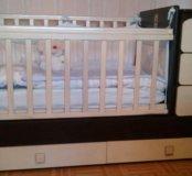 Детская кровать-трансформер с поперечным маятником