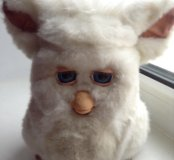 Furby с ложечкой