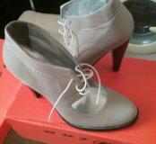 Женские батинки на шнуровке