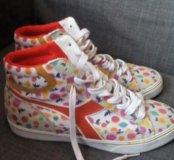 Новые кроссовки-сникерсы фирмы Diadora
