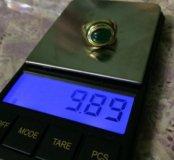 Винтажное золотое кольцо с изумрудом.