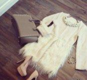 Весеннее пальто с декоративным мехом
