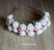 Ободок белый с розовыми ягодками
