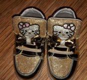 Новые детские кроссовки Hello Kitty