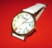 Женские наручные белые часы Geneva