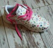 Новые легкие кроссовки