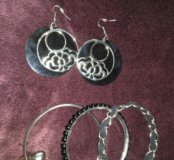 Сережки и браслеты
