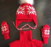 Зимний комплект: шапка, манишка и варежки