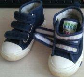 Кроссовки 24 размер