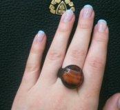 Кольцо из натуральной кожи и камня