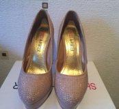 Туфли со стразами 37 р-р