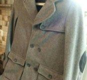 Фирменное пальто 140 см