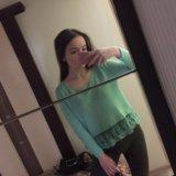 Тонкий свитер с кружевом