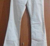Белый джинсовые штаны