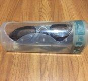 Плавательные очки.