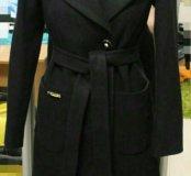 Новое черное пальто с английским воротником