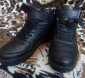 Новые кроссовки 36р