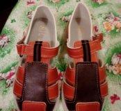 Продам сандали новые