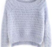 Пушистый свитер новый