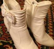Свадебные белые сапожки 37