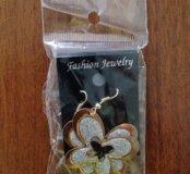 Серьги бабочки под золото( бижутерия)