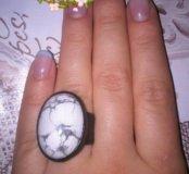 Кольцо из натуральной кожи и камня Кахолонг