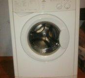 Продаю стиральную машину Индезит WISL 102