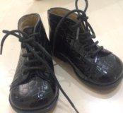 Ботинки из натуральной кожи .размер 19