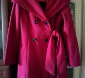 Демисезонное пальто в отличном состоянии