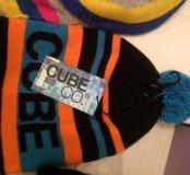 Cube детская новая шапка (шапочка) с помпоном